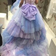 人気のカラードレス
