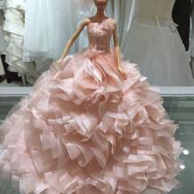 自分のドレスのバービーがもらえます。