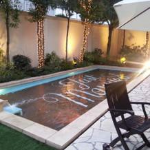 庭にはプールもあります。