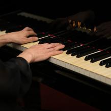 生演奏ピアノ