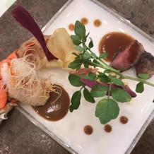 メインのお肉とオマール海老