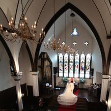 荘厳な本物の英国式教会