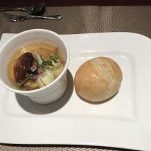 フォアグラ茶碗蒸しと米粉パン