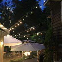 夜のパーティはライトがとても綺麗!