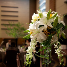 テーブルのお花が綺麗でした。