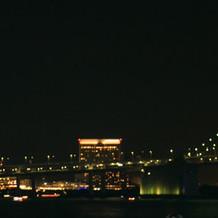 ホテル外のテラスの景色