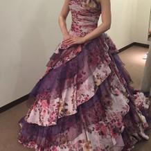カラードレスはこれにしました。