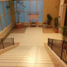フラワーシャワーなどのための階段
