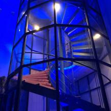 挙式場の螺旋階段