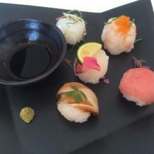 かわいらしい手まり寿司