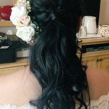 髪飾り等をドレスに合わせて借りれました。