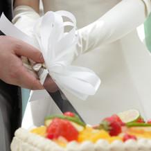 ケーキナイフの装飾リボン