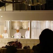 調理室見えます。