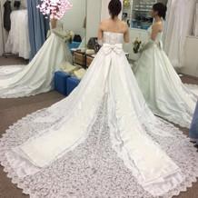 式の直前ギリギリで変更したドレス。