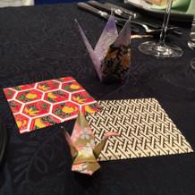 テーブル飾りの手作りの折り紙