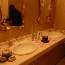 披露宴会場横のお手洗い