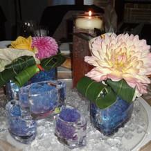 ゲストテーブルの装花。