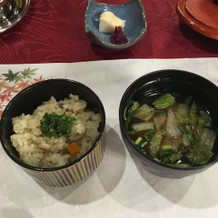 寿司ではなく炊き込みご飯です。
