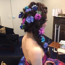 カラードレスに合うヘアアクセもいっぱい!