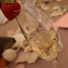 グラスに苺も飾っていただきました!