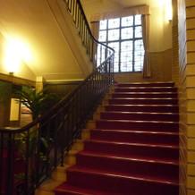 クラシカルな階段が素敵