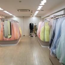 カラードレスの部屋