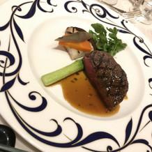 お肉も柔らかく、周りのお野菜が美味