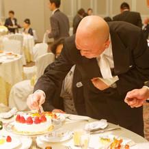 ウェディングケーキのデコレーション