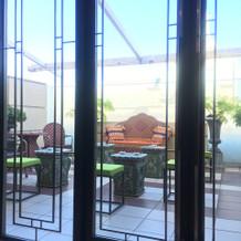 3階披露宴会場の喫煙スペース