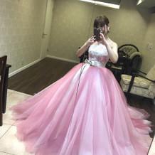 新作のカラードレス。