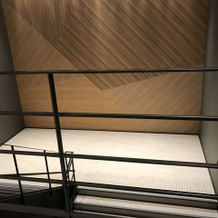 2階への階段 自由に飾り付けできます