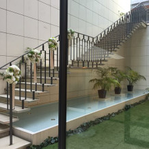 披露宴会場の外階段