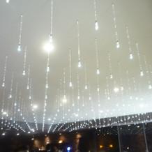 ウェルカムパーティー場所の天井