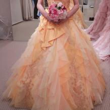 カラードレス プリンセスライン 黄色