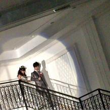 大きな階段からの入場もとても素敵です。