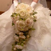 挙式当日のウェディングドレス用ブーケ