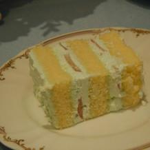 ケーキ お腹いっぱい。。。