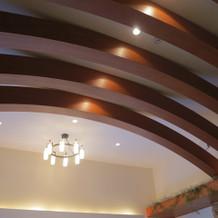 天井とメインの照明