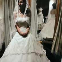 刺繍が施されたドレス