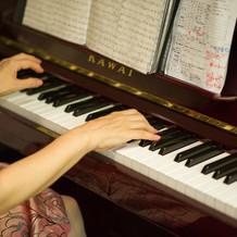 披露宴BGMとしてピアノ生演奏
