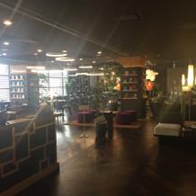 ライブラリーカフェ。温かい空間でした。