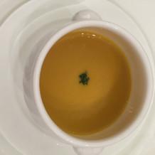作るのに3日かかる人参のスープ