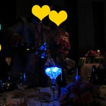 各テーブルにて光の演出