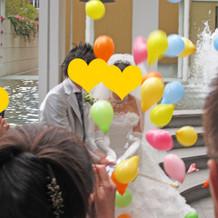 挙式後、風船を飛ばす演出