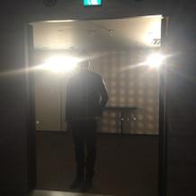 入場時。ライトの使い方が絶妙