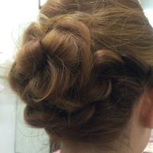 毛で花を作ってくれました