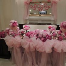 会場内はピンクいっぱいのお花