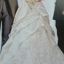 式場でレンタルしたドレスです。