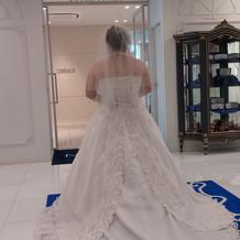 ウェディングドレス(背面)