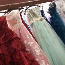 カラードレスもたくさんありました